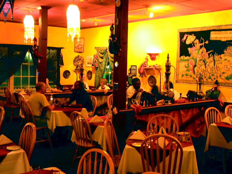 Gateway Of India Restaurant Dining Room Owners Grand Cayman Islands Restaurants