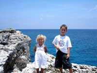 Jeep tour in Grand Cayman, Kids by the sea
